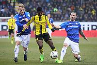 Fabian Holland (SV Darmstadt 98) und Jerome Gondorf (SV Darmstadt 98) gegen Dembele (Borussia Dortmund)- 11.02.2017: SV Darmstadt 98 vs. Borussia Dortmund, Johnny Heimes Stadion am Boellenfalltor