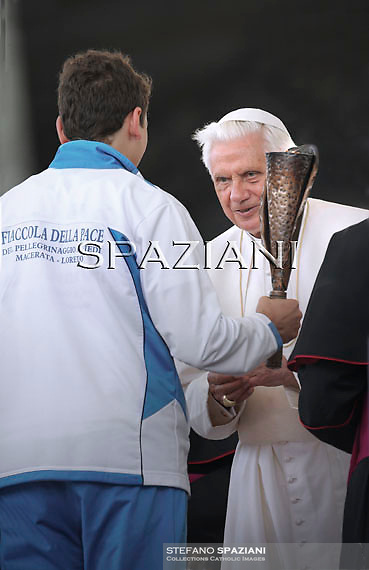 Pope Benedict XVI Fiaccola della pace Macerata Loretoduring his weekly general audience in St. Peter square at the Vatican, Wednesday. 8 June, 2011