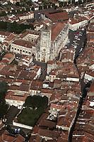 Europe/France/Midi-Pyrénées/32/Gers/Condom: Vue Aérienne de la Bastide et la cathédrale Saint Pierre