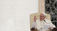 Papa Francesco tiene l'udienza generale del mercoledi' in Piazza San Pietro, Citta' del Vaticano, 31 agosto 2016.<br /> Pope Francis attends his weekly general audience in St. Peter's Square at the Vatican, 31 August 2016.<br /> UPDATE IMAGES PRESS/Isabella Bonotto<br /> <br /> STRICTLY ONLY FOR EDITORIAL USE