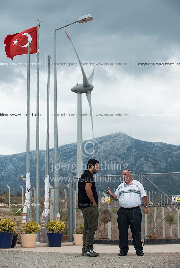 TURKEY, Karaburun near Izmir, 223 MW wind farm  of company Lodos Elektrik with Enercon E-82 wind turbines / TUERKEI, Karaburun, 223 MW Windpark der Firma Lodos Elektrik mit Enercon E-82 Windkraftanlagen, İsmail Bahcivan von Lodos Elektrik(links) und Enercon Mitarbeiter Serkan Özgel