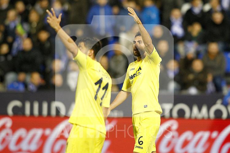 Villarreal CF's Jaume Costa (l) and Victor Ruiz during La Liga match. December 3,2016. (ALTERPHOTOS/Acero)