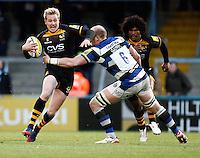 Photo: Richard Lane/Richard Lane Photography. London Wasps v Bath Rugby. Aviva Premiership. 24/11/2013. Wasps' Joe Carlisle attacks.