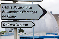 France, Indre-et-Loire (37), Chinon: Panneau Routier -  Cenrale Nucléaire de Chinon // France, Indre et Loire , Chinon: Road sign - Chinon Nuclear Power Plant