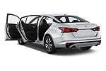 Car images of 2020 Nissan Altima SV 4 Door Sedan Doors