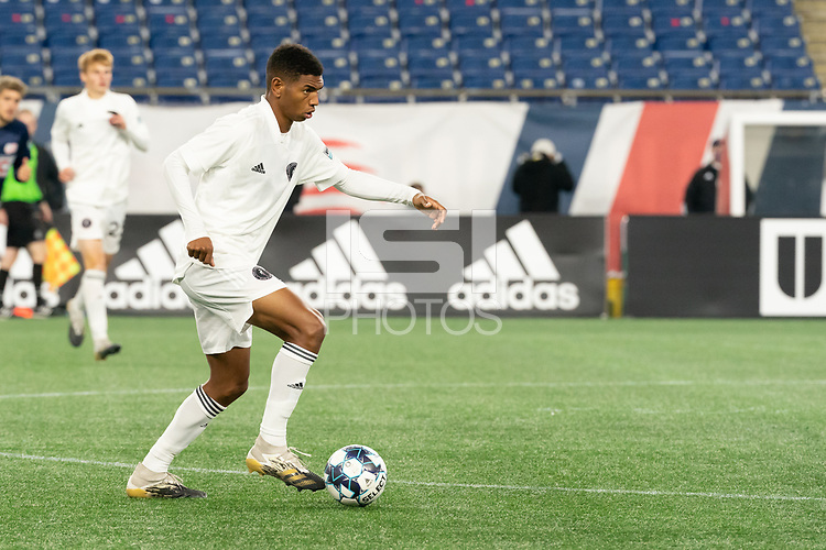FOXBOROUGH, MA - OCTOBER 09: Modesto Mendez #15 of Fort Lauderdale CF during a game between Fort Lauderdale CF and New England Revolution II at Gillette Stadium on October 09, 2020 in Foxborough, Massachusetts.