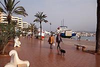 Spanien, Balearen, Ibiza, Strandpromenade - Avenida de Santa Eularia in Eivissa