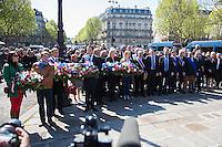 MARINE LE PEN, FLORIAN FILLIPO, MARION MARECHAL LE PEN - DEPOT DE GERBE DEVANT LA STATUE DE JEANNE D'ARC PLACE SAINT-AUGUSTIN A PARIS