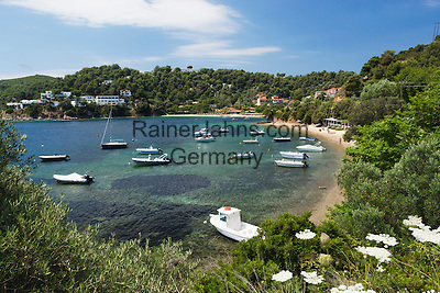 Greece, Thessaly, Northern Sporades, Island Skiathos, Kanapitsa: Nostos beach | Griechenland, Thessalien, Noerdliche Sporaden, Insel Skiathos, Kanapitsa: Nostos beach