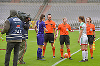 Laura De Neve (8) of Anderlecht , assistant referee Jean-Christophe Henry , referee Viki De Cremer , Lenie Onzia (8) of OHL , assistant referee Joline Delcroix pictured before a female soccer game between RSC Anderlecht Dames and Oud Heverlee Leuven on the seventh matchday of play off 1 of the 2020 - 2021 season of Belgian Womens Super League , saturday 15 th of May 2021  in Brussels , Belgium . PHOTO SPORTPIX.BE | SPP | STIJN AUDOOREN
