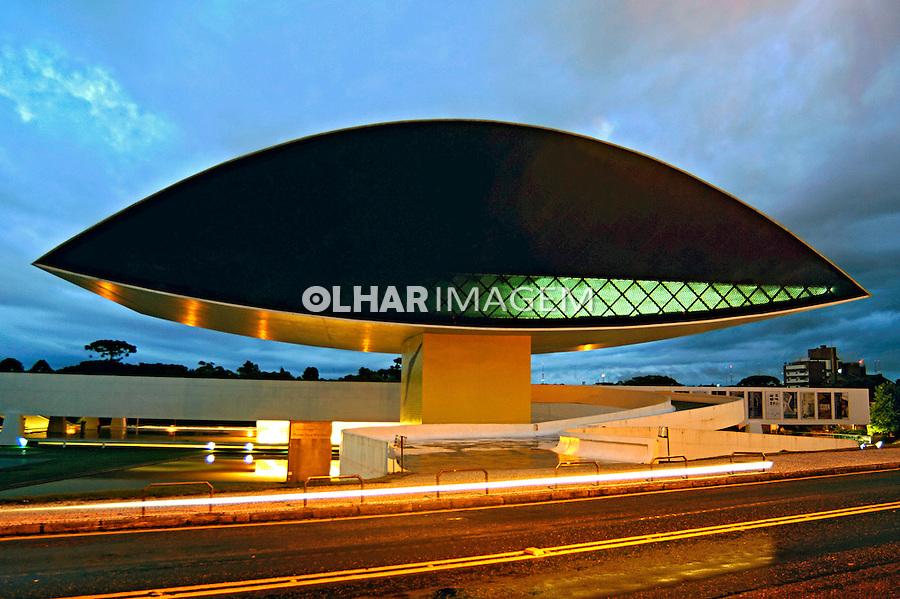 Museu Oscar Niemeyer, Curitiba. Paraná. 2007. Foto de Rogério Reis.