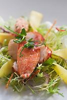 Europe/Suisse/Saanenland/Gstaad: Salade de homard à la mangue thaïlandaise et oignons rouges, recette de  Urs Gschwend, du restaurant Prado, au Grand Hôtel Bellevue,