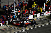 NASCAR Camping World Truck Series<br /> NextEra Energy Resources 250<br /> Daytona International Speedway, Daytona Beach, FL USA<br /> Friday 16 February 2018<br /> Noah Gragson, Kyle Busch Motorsports, Safelite Autoglass Toyota Tundra makes a pit stop, Sunoco<br /> World Copyright: Logan Whitton<br /> LAT Images