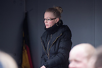 Mehr als 10.000 Anhaengern der rechten Pegida-Dresden versammelten sich am Sonntag den 25. Januar 2015 in Dresden vor der Semper-Oper, unter ihnen etliche militante Hooligans und Neonazis aus dem ganzen Bundesgebiet sowie Rechte, die eigens aus Belgien und Daenemark angereist waren. Hooligans mit Ordnerbinden kooperierten nach Polizeiangaben mit den Beamten und kontrollierten die Presseausweise von Medienvertretern.<br /> Ca. 2.000 Menschen protestierten gegen den Aufmarsch der Rechten.<br /> Im Bild: Pegieda-Mitbegruenderin Kathrin Oertel.<br /> 25.1.2015, Dresden<br /> Copyright: Christian-Ditsch.de<br /> [Inhaltsveraendernde Manipulation des Fotos nur nach ausdruecklicher Genehmigung des Fotografen. Vereinbarungen ueber Abtretung von Persoenlichkeitsrechten/Model Release der abgebildeten Person/Personen liegen nicht vor. NO MODEL RELEASE! Nur fuer Redaktionelle Zwecke. Don't publish without copyright Christian-Ditsch.de, Veroeffentlichung nur mit Fotografennennung, sowie gegen Honorar, MwSt. und Beleg. Konto: I N G - D i B a, IBAN DE58500105175400192269, BIC INGDDEFFXXX, Kontakt: post@christian-ditsch.de<br /> Bei der Bearbeitung der Dateiinformationen darf die Urheberkennzeichnung in den EXIF- und  IPTC-Daten nicht entfernt werden, diese sind in digitalen Medien nach §95c UrhG rechtlich geschuetzt. Der Urhebervermerk wird gemaess §13 UrhG verlangt.]