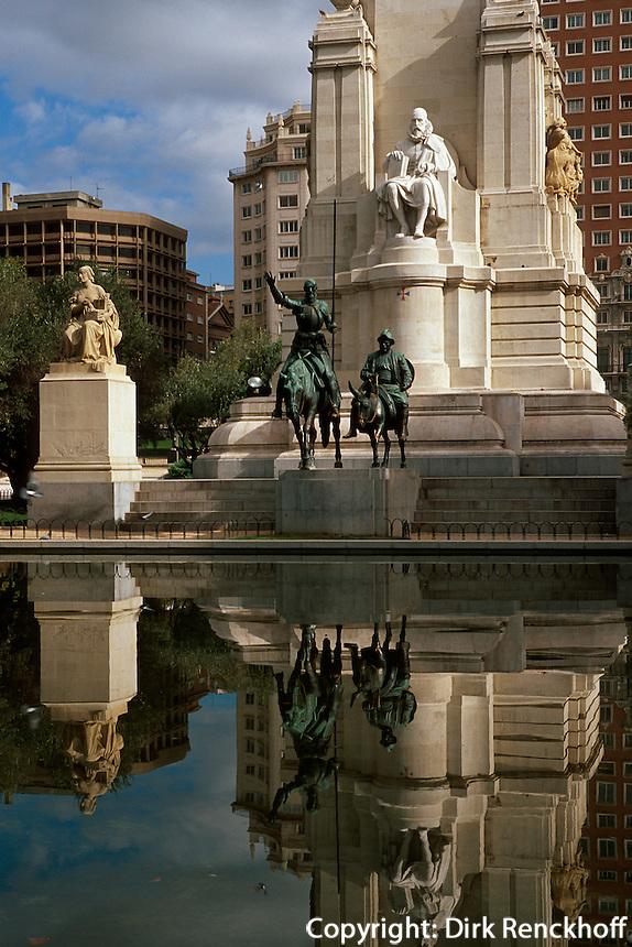Spanien, Cervantes-Denkmal auf der Plaza de Espana in Madrid