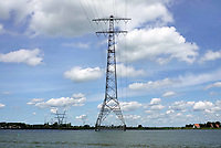 Nederland  Amsterdam  2019.   Hoogspanningsmast in het IJmeer.  Foto Berlinda van Dam / Hollandse Hoogte