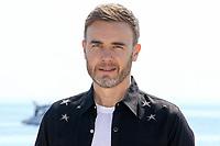 Gary Barlow lors du photocall de LET IS SHINE pendant le MIPTV a Cannes, le lundi 3 avril 2017.