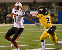 08 November 2007: Louisville wide receiver Mario Urrutia (7)..The West Virginia Mountaineers defeated the Louisville Cardinals 38-31 on November 08, 2007 at Mountaineer Field, Morgantown, West Virginia. .