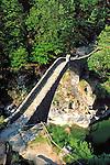 CHE, Schweiz, Tessin, Roemische Bruecke bei Intragna im Val di Centovalli | CHE, Switzerland, Ticino, Roman bridge near Intragna at Val di Centovalli