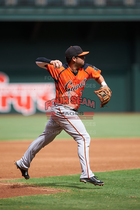 San Francisco Giants C.J. Hinojosa (32) during an instructional league game against the Arizona Diamondbacks on October 16, 2015 at the Chase Field in Phoenix, Arizona.  (Mike Janes/Four Seam Images)