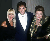 Suzanne Somers Barry Manilow Esther Williams 1982<br /> Photo By John Barrett/PHOTOlink