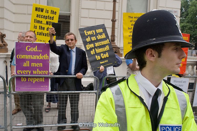 Anti-gay Christians protest on the route of the 2005 London Gay Pride parade.