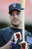 Mike Piazza of the New York Mets before a 2002 MLB season game against the Los Angeles Dodgers at Dodger Stadium, in Los Angeles, California. (Larry Goren/Four Seam Images)