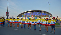 KAZAN - RUSIA, 24-06-2018: Hinchas de Colombia animan a su equipo durante partido de la primera fase, Grupo H, entre Polonia y Colombia por la Copa Mundial de la FIFA Rusia 2018 jugado en el estadio Kazan Arena en Kazán, Rusia. / Fans of Colombia cheer for their team during the match between Polonia and Colombia of the first phase, Group H, for the FIFA World Cup Russia 2018 played at Kazan Arena stadium in Kazan, Russia. Photo: VizzorImage / Julian Medina / Cont
