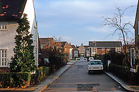 """London: Hampstead Garden Suburb--view down """"The Orchard"""". Photo '90."""