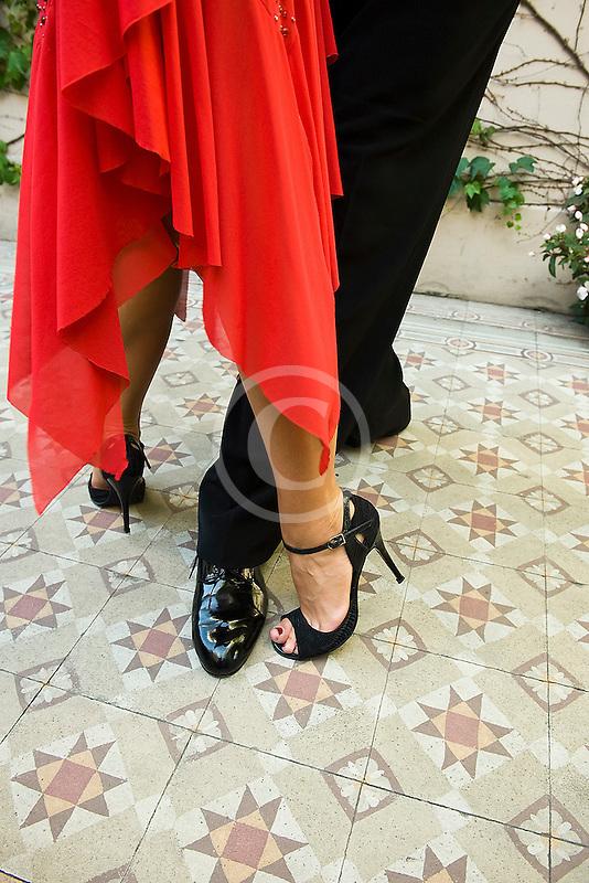 Argentina, Buenos Aires, Tango dancers, feet, closeup