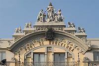 - Barcellona, Port Vell district, Harbour Authority building ....- Barcellona, quartiere di Port Vell, palazzo dell'autorità portuale....
