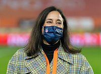 BREDA, NETHERLANDS - NOVEMBER 27: Kate Markgraf of the USWNT talks on the field before a game between Netherlands and USWNT at Rat Verlegh Stadion on November 27, 2020 in Breda, Netherlands.