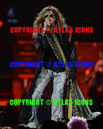 SUNRISE, FL - DECEMBER 09:  Steven Tyler of Aerosmith performs at the BB&T Center on December 9, 2012 in Miami. : Credit Larry Marano/ AtlasIcons.com (C) 2012