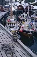 Europe/Norvège/Iles Lofoten/Nusfjord: le port de péche au skréi - cabillaud