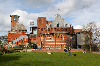 United Kingdom, England, Warwickshire, Stratford-upon-Avon: The Swan Theatre and the Royal Shakespeare Theatre | Grossbritannien, England, Warwickshire, Stratford-upon-Avon: The Swan Theatre und das Royal Shakespeare Theatre