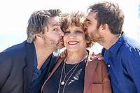 Thibault de Montalembert, Liliane Rovere et Gregory Montel lors du photocall de CALL MY AGENT pendant le MIPTV a Cannes, le mardi 4 avril 2017.