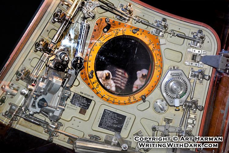 Apollo 17 hatch