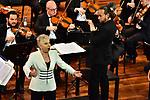 """All'Auditorium Oscar Niemeyer<br /> CONCERTO DI CAPODANNO<br /> Soprano Mariella Devia <br /> Direttore Matteo Beltrami<br /> Orchestra Filarmonica Salernitana """"Giuseppe Verdi""""<br /> Musiche di Bizet, Gounod, Bellini, Verdi, Mascagni, Puccini"""