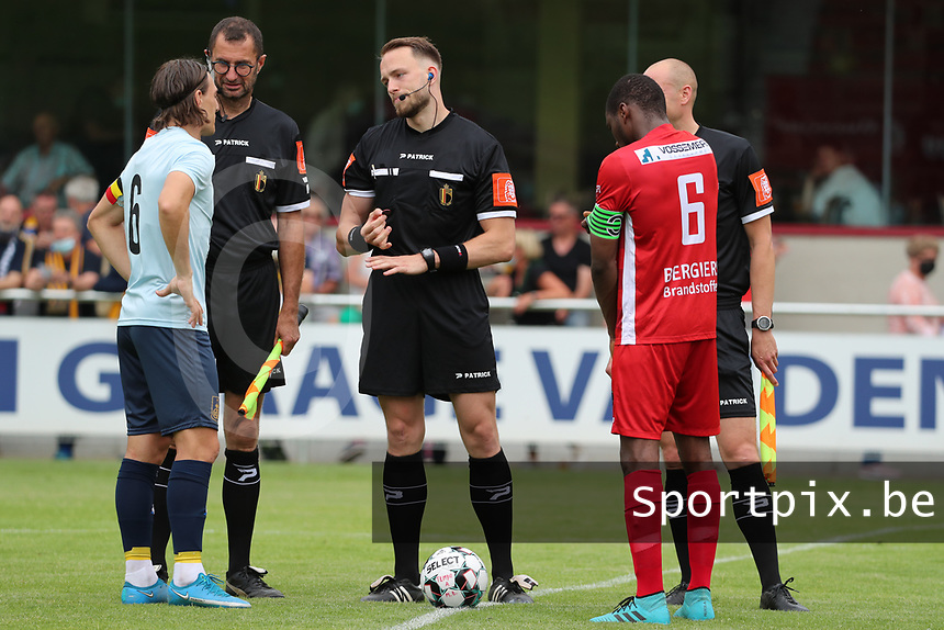 Assistant referee Patrick Vandenberghe, referee Tom Stevens and assistant referee Maxime Borremans pictured with captain Casper Nielsen (6) of Union (L) and captain Jonathan Lusadusu (6) of Tempo (R)  before a preseason friendly soccer game between Tempo Overijse and Royale Union Saint-Gilloise, Saturday 29th of June 2021 in Overijse, Belgium. Photo: SPORTPIX.BE | SEVIL OKTEM