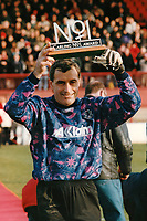 Leyton Orient goalkeeper Peter Shilton receives the Carling No 1 Award on the occasion of his 1000th Football League appearance ahead of Leyton Orient vs Brighton & Hove Albion, Nationwide League Division Three Football at Brisbane Road on 22nd December 1996