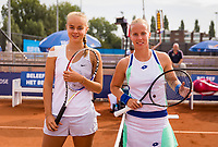 Amstelveen, Netherlands, 1 August 2020, NTC, National Tennis Center, National Tennis Championships, After the toss the finalists womens single final: Bente Spee (NED) (L) vs Richel Hogenkamp (NED)