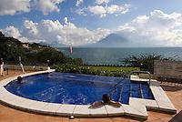 Swimming-Pool im Hotel  Atitlan am Atitlan-See, Guatemala