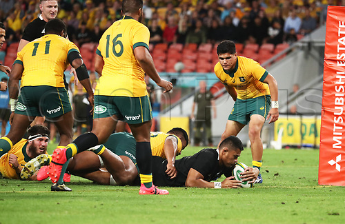 7th November 2020, Brisbane, Australia; Tri Nations International rugby union, Australia versus New Zealand;  Tupou Vaa'i of The Allblacks scores a try