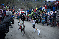 Jurgen Van den Broeck (BEL/Lotto-Soudal) getting a little push up the dirt roads of the Colle delle Finestre (2178m)<br /> <br /> Giro d'Italia 2015<br /> stage 20: Saint Vincent - Sestriere (199km)