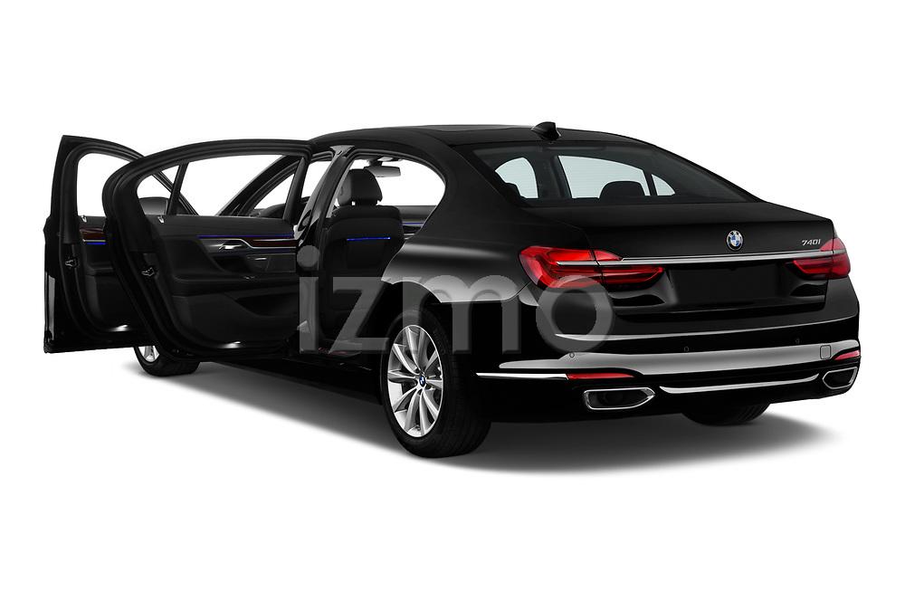 Car images of 2019 BMW 7-Series 740i 4 Door Sedan Doors