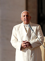 Papa Francesco tiene l'udienza generale del mercoledi' in Piazza San Pietro, Citta' del Vaticano, 17 dicembre 2014.<br /> Pope Francis attends his weekly general audience in St. Peter's Square at the Vatican, 17 December 2014.<br /> UPDATE IMAGES PRESS/Riccardo De Luca<br /> <br /> STRICTLY ONLY FOR EDITORIAL USE