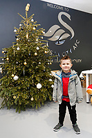 Harvey Doke meets players at The Fairwood Training Ground, Swansea, Wales, UK. Wednesday 20 December 2017
