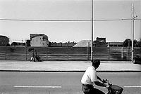 milano, quartiere affori, periferia nord. cantieri in via imbonati - pellegrino rossi --- milan, affori district, north periphery. yards on the streets imbonati - pellegrino rossi