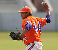 October 25, 2009: Tomas Cruz of the Clemson Tigers in an intra-squad Orange and Purple scrimmage game at the end of fall practice at Doug Kingsmore Stadium in Clemson, S.C. Photo by: Tom Priddy/Four Seam Images
