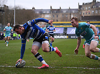 20th March 2021; Recreation Ground, Bath, Somerset, England; English Premiership Rugby, Bath versus Worcester Warriors; Ben Spencer of Bath scores a try under pressure from Gareth Simpson of Worcester Warriors